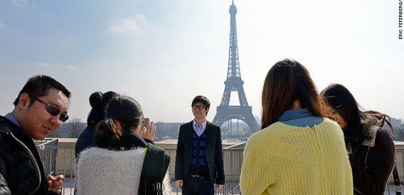 130807154100-chinese-tourists-paris-story-top