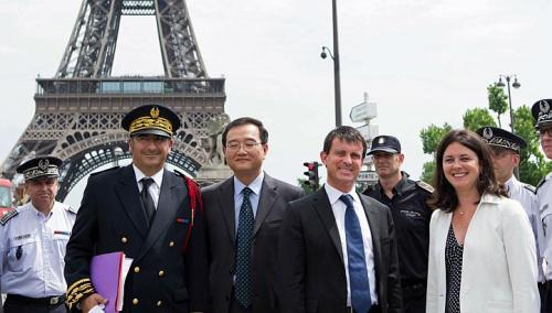 chinese-and-french-eiffel-tower